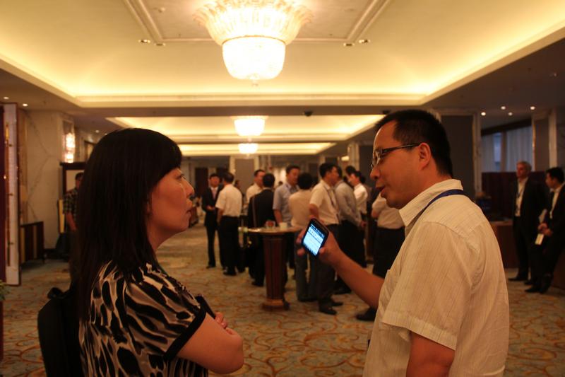 生意社社长朱小军先生与参会代表现场交流